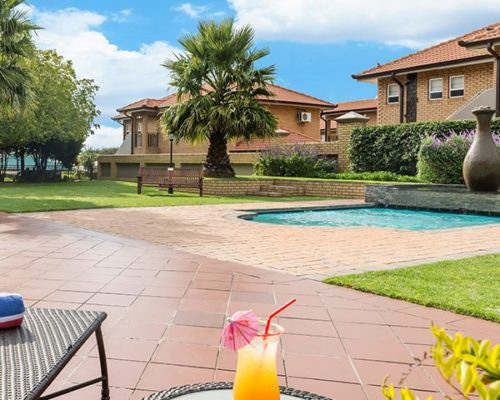 Pool area 2-witbank-600x600-1