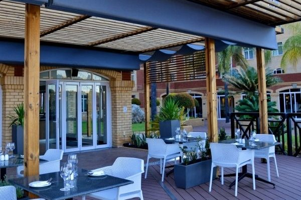 Outdoor seating at ANEW Hotel Centurion Restaurant